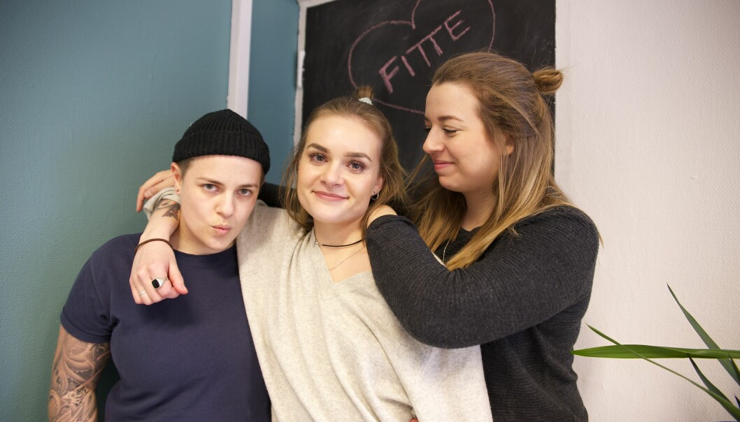 Martine Forsberg, Camilla Tairi og Mathea Monclaire. Foto: Linn Kristin Nordseth.