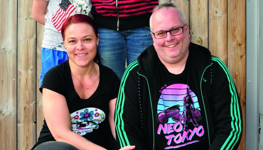 Familien til Sofie Brune (42), spesialutdannet vernepleier og spesialist i sexologisk rådgivning er Jan (46), Ayla (12) og Miria (8). Foto: Reidar Engesbak