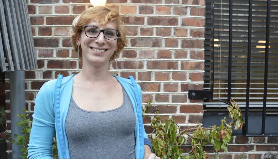 Mathilde Decaen er opptatt av å få frem de positive historiene rundt kjønnsidentitet, og håper å møte folk med omsorg og respekt. Foto: Jenny Johannes Jacobsen