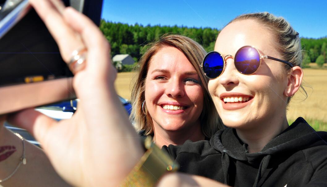 Bente Jørgensen og Martine Hammervold-Austinat er DRAMAqueen. Foto: Reidar Engesbak.