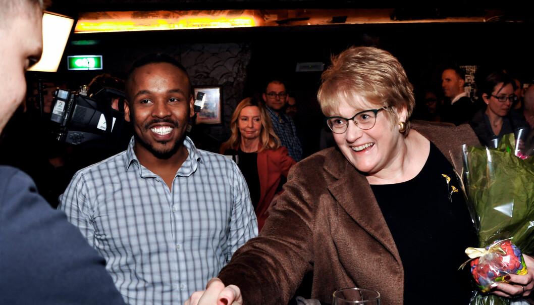 Da Trine Skei Grande ble likestillingsminister 22. januar i år møtte hun pressen og representanter fra den skeive bevegelsen på London Pub. Her sammen med Max Mo i Skeiv Verden. Foto: Reidar Engesbak.