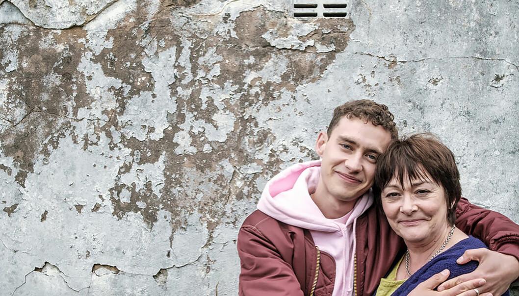 Olly og mor. Foto: BBC.