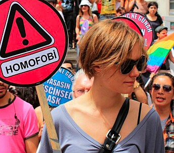 Politi angrep transpersoner