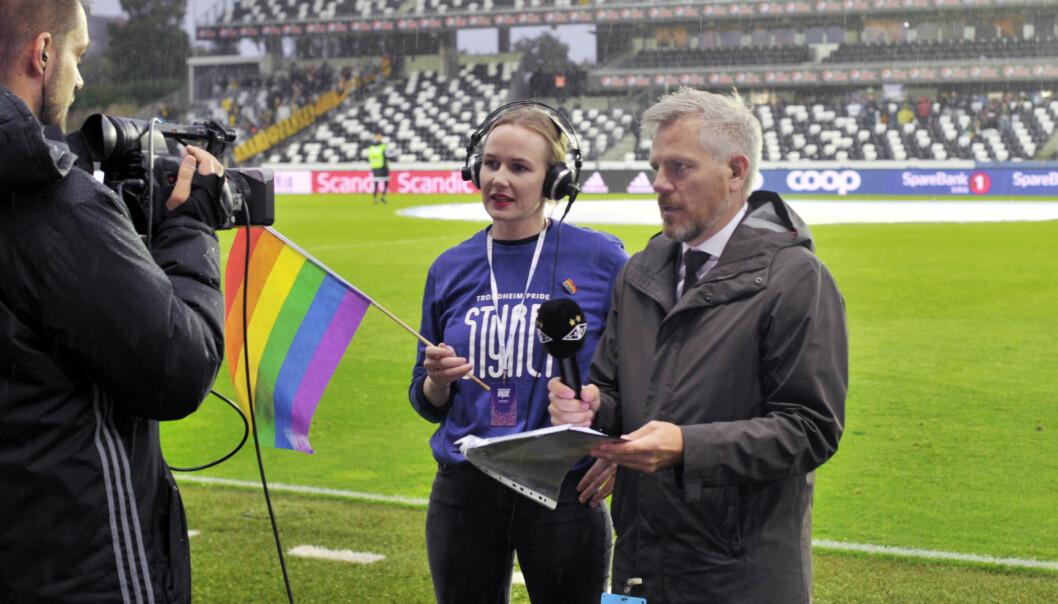 Trondheim Pride-leder Hannah Christin Lerfaldet intervjues på Lerkendal. Foto: Reidar Engesbak.