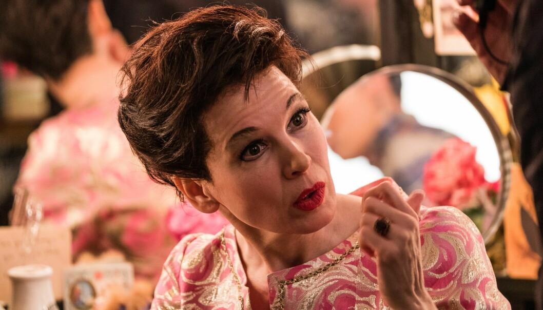 Renee Zellweger spiler rollen som Judy Garland i filmen «Judy».