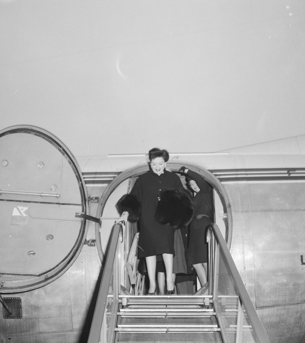 Judy Garlands annkommer Amsterdam i 1960. Den nye filmen «Judy» lover å ta publikum med bak regnbuen i livet til verdensstjernen.