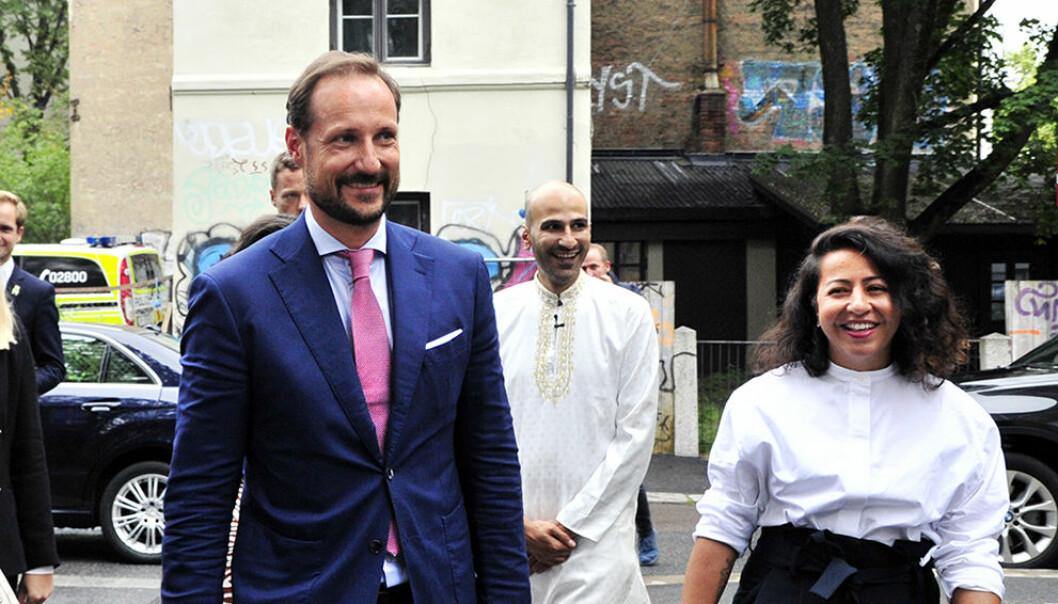 HKH Kronprins Haakon besøkte organisasjonen Salam i august i år og møtte blant andre grunnlegger Thee-Yezen Al-Obaide og organisasjonsleder Hasti Hamidi.