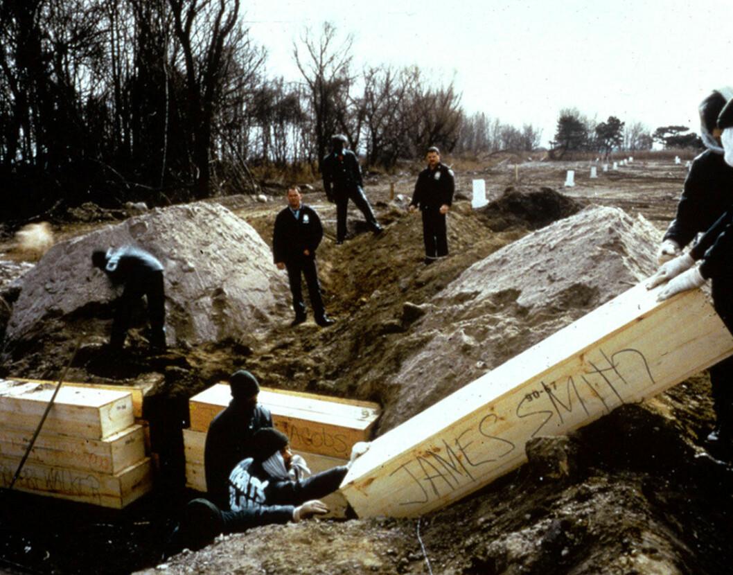 Adult mass burial February 1992