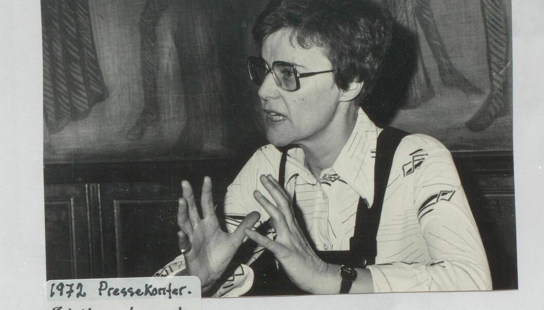 Hanne Maria Johansen mener kampen mot paragraf 213 for å være den viktigste historisk sett. Loven som forbød menn å ha sex med menn, ble opphevet i 1972. Kim Friele brukte sju år av sin tid som leder i DNF-48 på å få fjernet den.