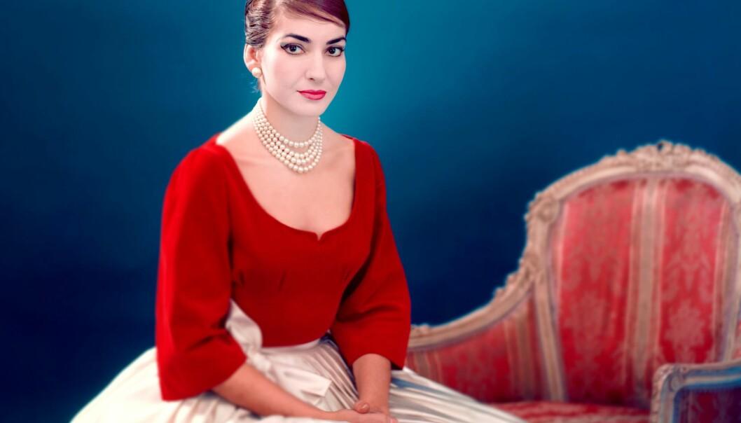 På 1950- og begynnelsen av 1960-tallet fikk Maria Callas status i tabloidene som en monsterdiva som plutselig avbrøt forestillinger, angrep impresarioer og forsøkte å forgifte sine rivalinner.