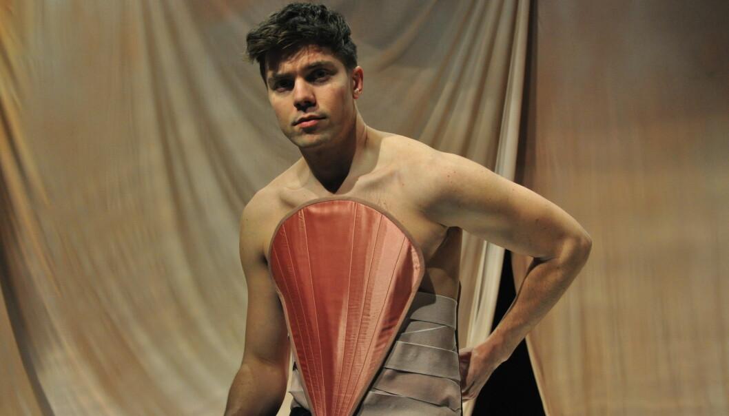 – «Translyria» handler om kjønn. Hovedrollen er transkjønnet, men jeg prøver å skildre kjønn i makt og kjærlighet på mange forskjellige måter, sier regissør Frode Gjerløw.