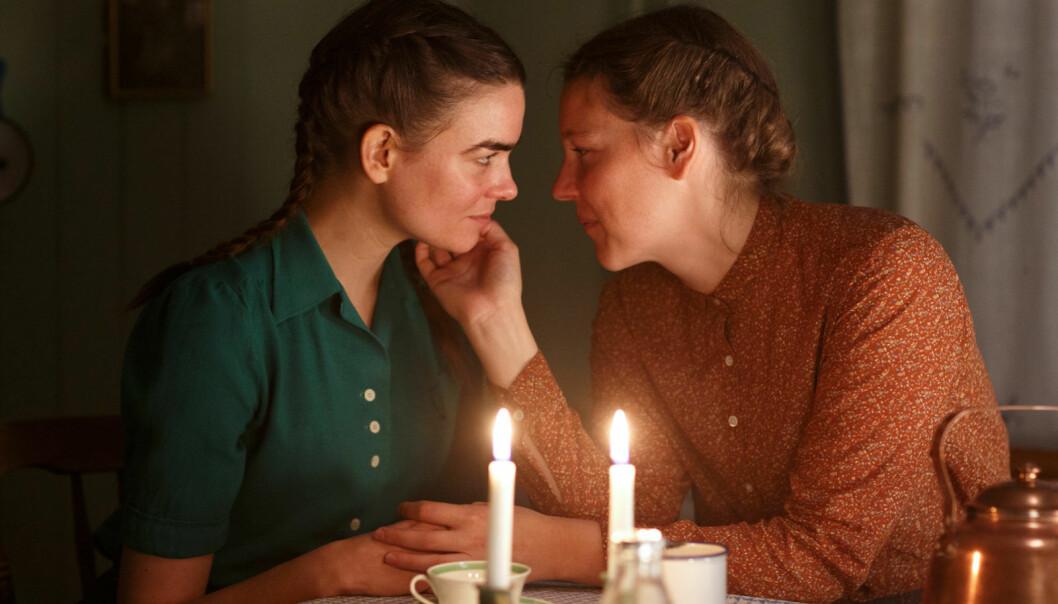 Maggan (Josefin Neldén) har også et forhold til Lilly (Karin Franz Körlof).