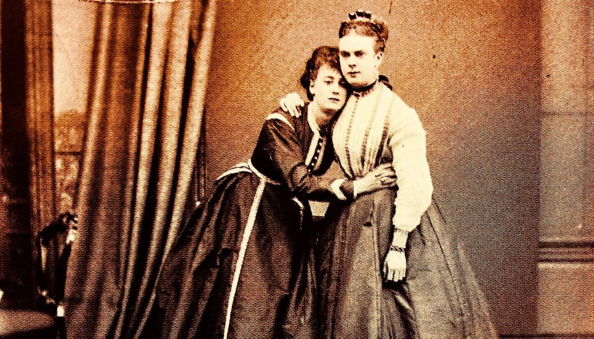 Da rettsaken mot Simonette Vold og hennes ansatte startet i 1844, hadde bygdesladderen om hennes uvanlige interesse for kvinner gått siden 1809.  Illustrasjonsfoto.