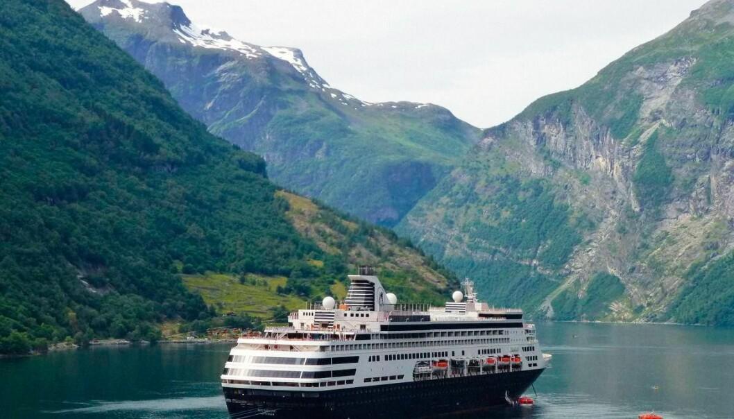 MS Rotherdam har plass til 1400 passasjerer og er et skip i mellomklassen. Skipene Olivia bruker i Karibia har ofte plass til mer enn 3000 passasjerer, mens skipene de bruker i Middelhavet er mindre, er mer luksuriøse og tar bare drøye 700 passasjerer.