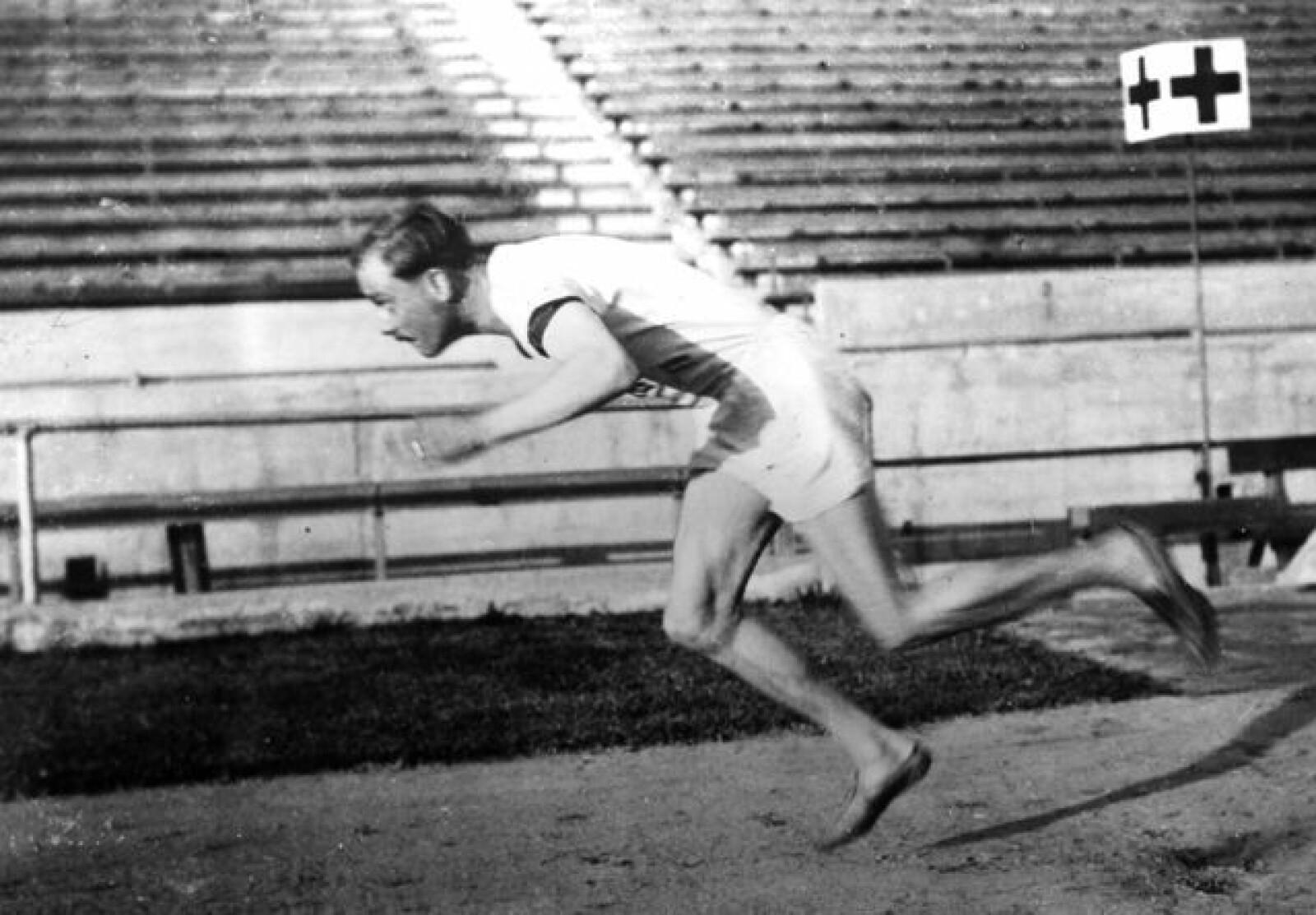 Distansene fra 400 til 1500 meter ble hans beste. Otto Peltzer var en karismatisk skikkelse som i noen år ble hele idrettstysklands yndling.