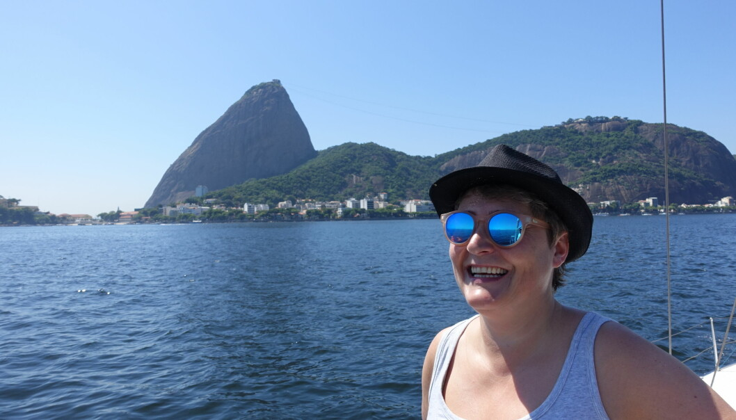 For første gang ser konsul Ingeborg Lund den særegne Sukkertoppen fra sjøsiden i Rio.