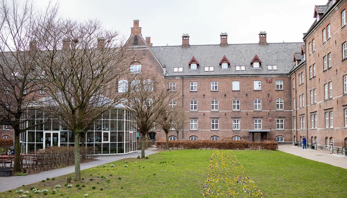 Slottet var tidligere et sykehus og ligger i arbeiderbydelen Nørrebro i København.