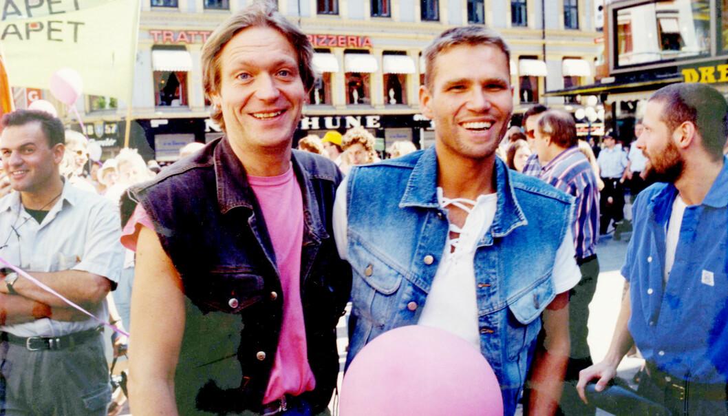 1995: Terje Strømdahl gikk hånd i hånd med kjæresten Vidar i sin første parade.