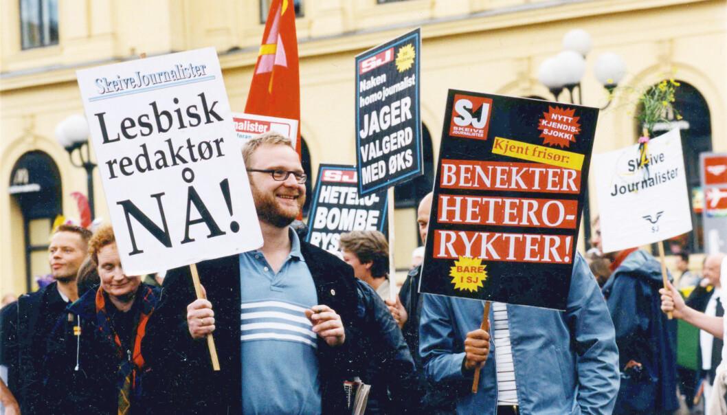 1999: Frank Rossavik sammen med gruppa Skeive journalister.