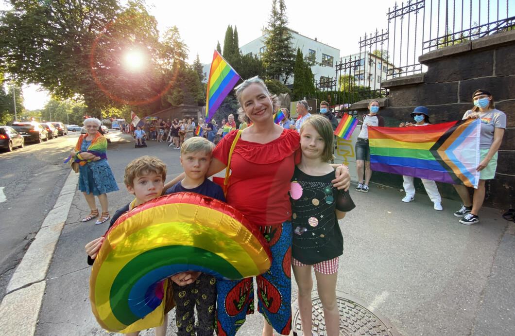 – De konservative hevder homofili skader det polske samfunnet og polske verdier, sier Aleksandra Weder Sawicka.