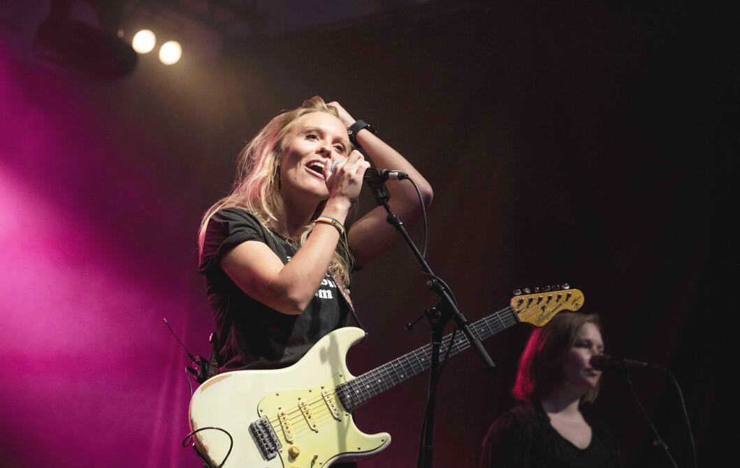 Tora Dahle Aagård er i en periode internasjonal ambassadør for den franske gitarprodusenten Marceau Guitars, som har laget en skreddersydd signaturgitar til henne.