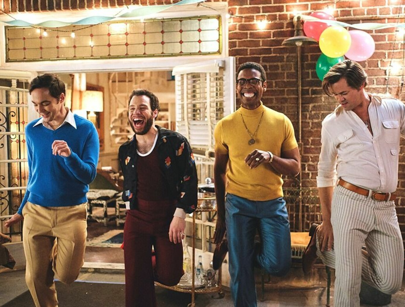 «The Boys in the Band» ble satt opp på off-Broadway i New York året før Stonewall-opprøret i 1969. Forestillingen fortalte historien om en gjeng med selvforaktende homser på desperat leting etter kjærlighet.