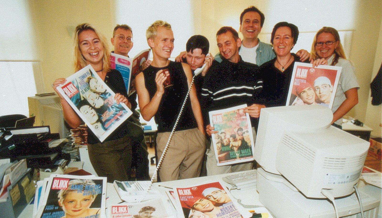 """<span class="""" italic"""" data-lab-italic_desktop=""""italic"""">Blikk- redaksjonen i 1998. Arne Walderhaug (med briller)</span>"""