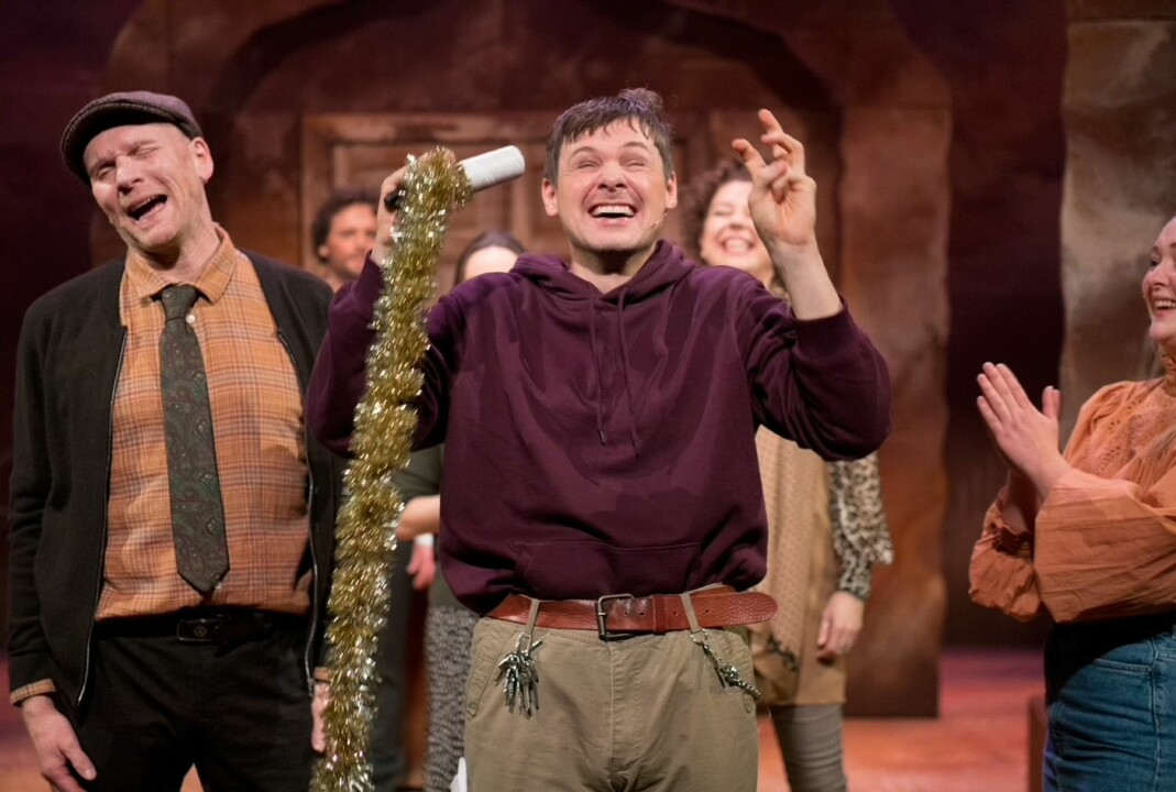 Skuespiller Espen Bråten Kristoffersen går på scenen i musikalen «Så som i himmelen» på Nordland Teater. Premiere lørdag 13. februar.
