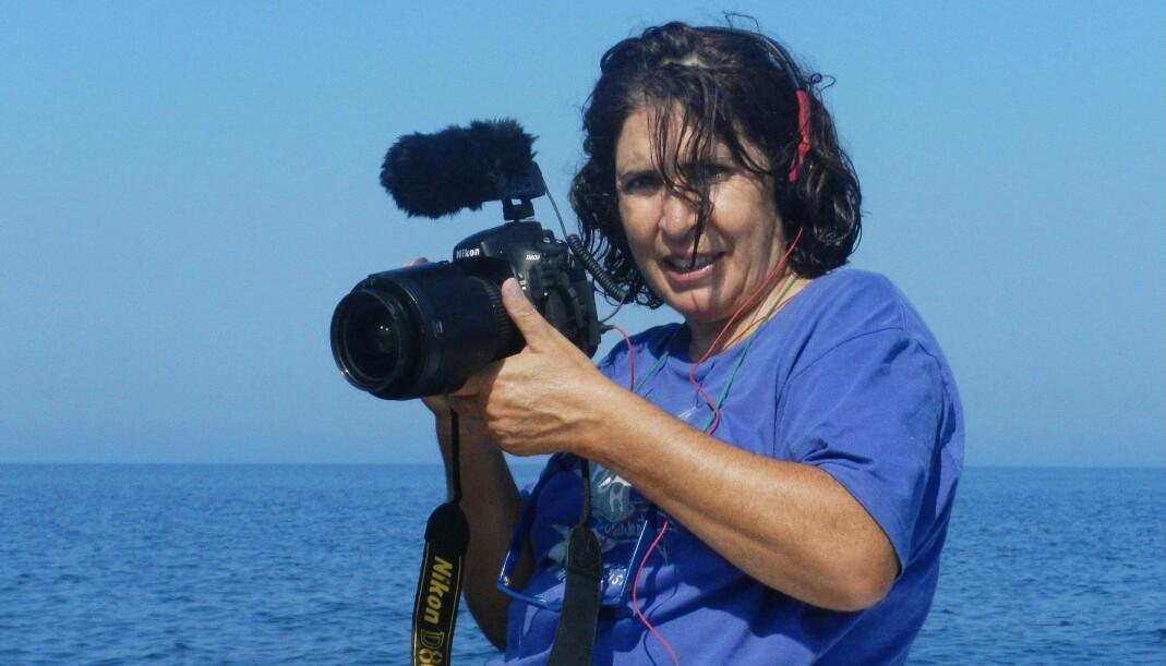 Filmskaperen Tzeli Hadjidimitriou har også gitt ut seks fotobøker. Arbeidene hennes er vist på museer og gallerier i Hellas, Venezia, Istanbul, Paris, Beijing, Sydney og Roma.
