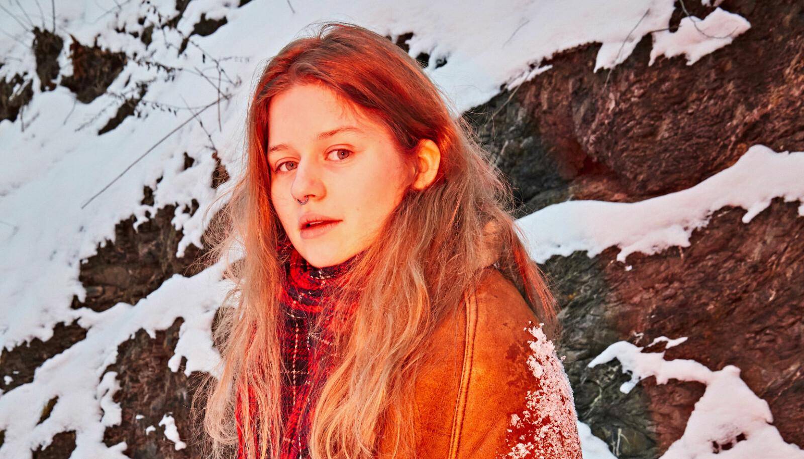 Marie Ulven Ringheim, 22-åringen med artist- navnet girl in red, er vokalist, gitarist og låtskriver.