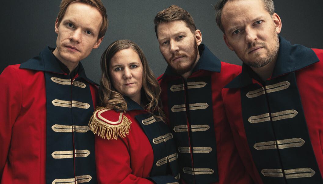 Bandet til Ellen Brekken, A tonic for the troops er oppkalt etter en drink fra britenes kolonitid i India.