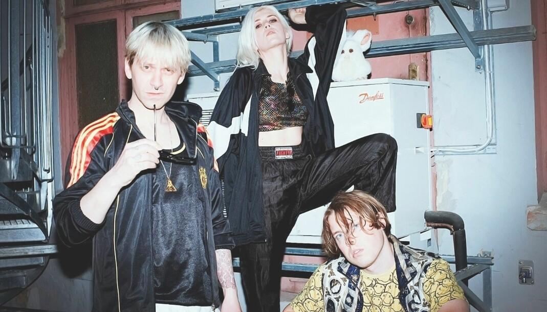 42 artister inkludert Sondre Lerche og bandet Deathcrush (bildet), bidrar på samleplata «Songs for trans youth», som ble sluppet i april.
