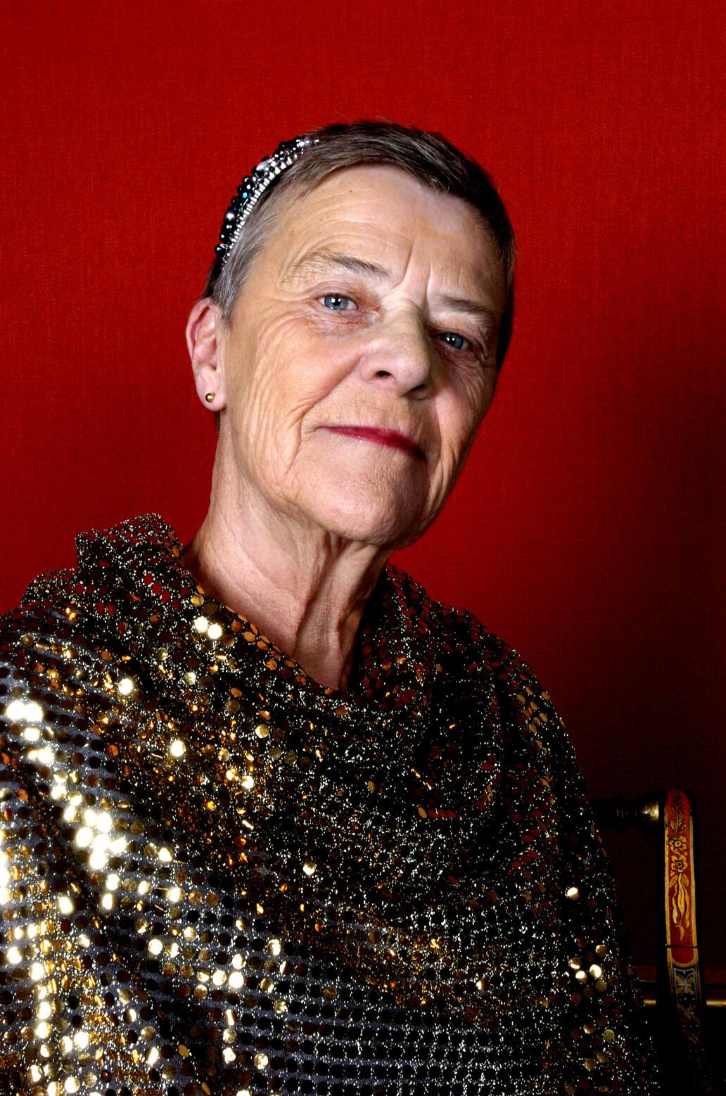 – Livet har lært meg at det å være menneske er å være annerledes, oppsummerte Kim Friele i Tonje Steinslands portrettintervju på TV2 31. januar 2005.