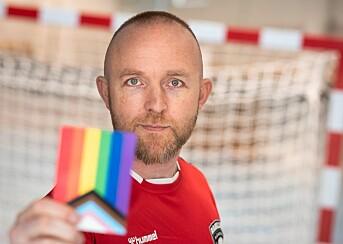 Raballder Håndball tar oppgjør med homotabuet: – Det er viktig at heterofile idrettsprofiler tør å holde i regnbuefargene