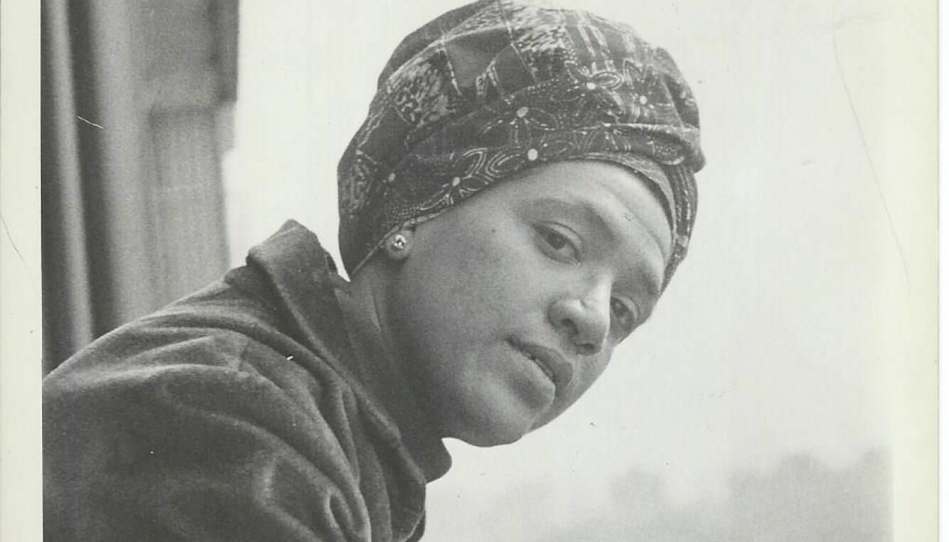 Audre Lorde ble en sin tids viktigste stemmer i kampen mot homofobi og rasisme da hun ga ut sin første diktsamling, «The First Cities» (1968). Hele livet skrev hun dikt som utforsket identitet og seksualitet.