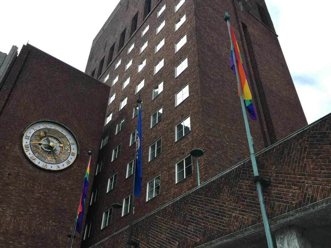 Regnbueflaggene skal vaie i vinden under hele Oslo Pride, som et svar på den siste månedens angrep på prideflagg i Oslo og i resten av landet.