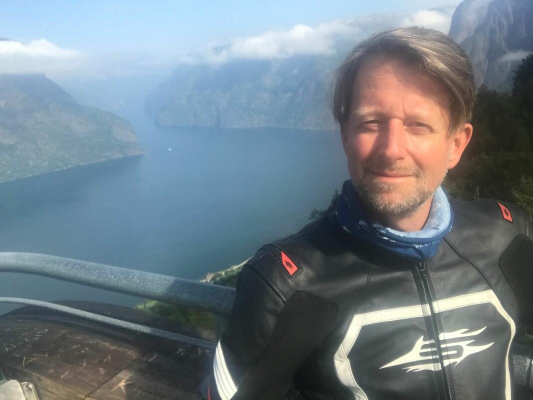 Helge Ytterøy L'orange på utsiktspunktet Stegastein ovenfor Aurland.