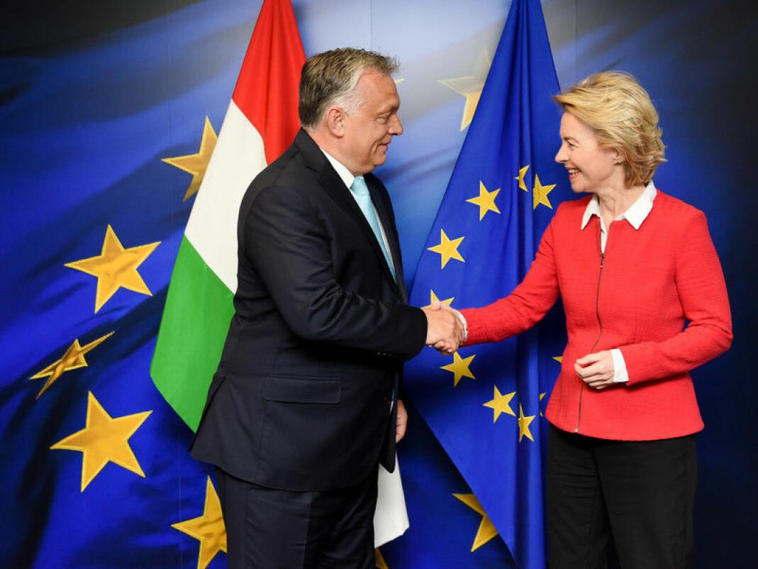 Ungarns president, Viktor Orbán, og EU-kommisjonens president, Ursula von der Leyen, under et møte i april. Nå har det kjølnet mellom de to lederne.