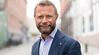 Helseminister Bent Høie deler erfaringer om helsearbeid for skeive under WorldPride