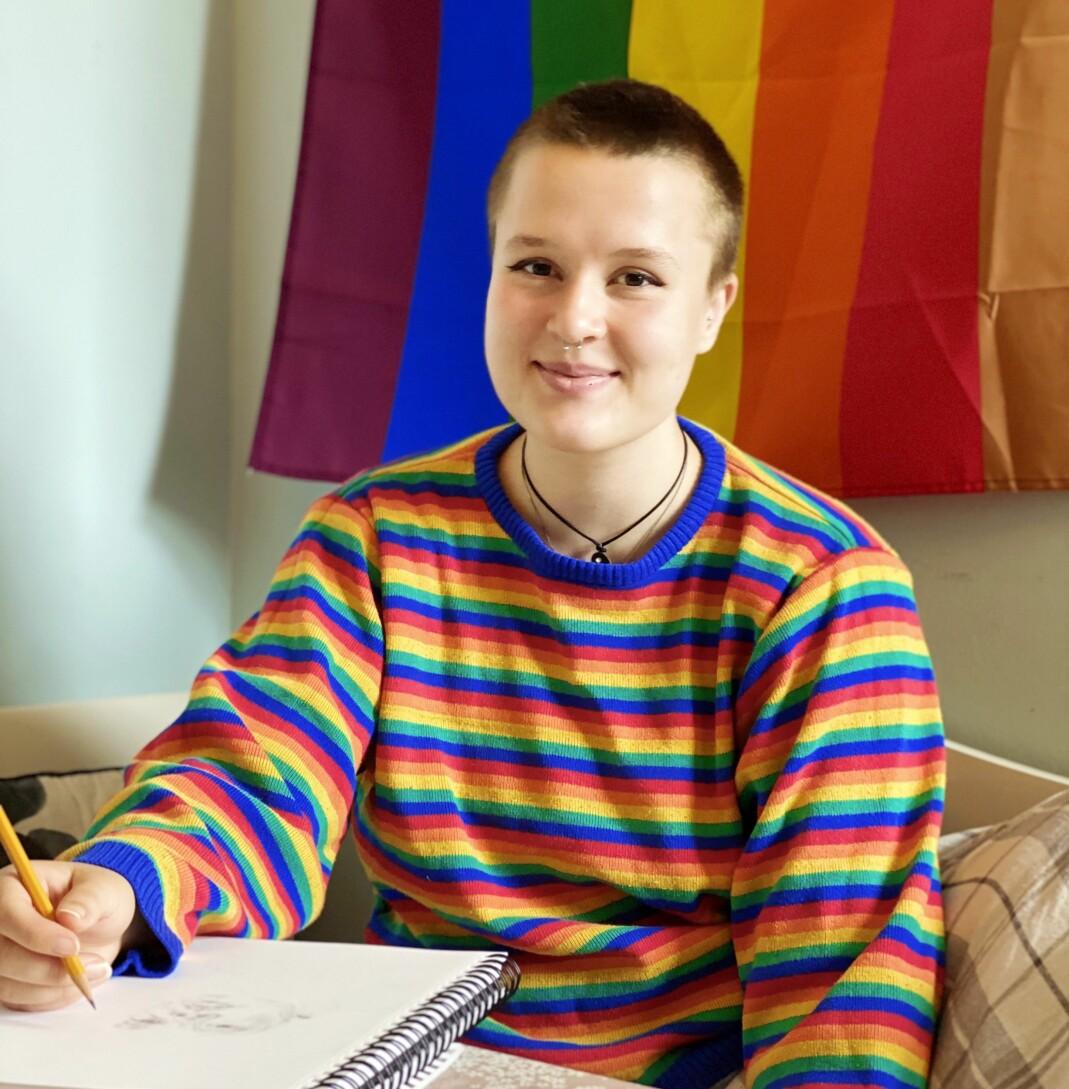 Runa (16) skjønte allerede i barnehagen at hun er lesbisk.