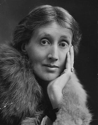 Virginia Woolf (1882 - 1941) fotografert rundt 1922, hennes mest kjente verk er «Til fyret», Fru Dalloway», «Orlando» og «Et eget rom».