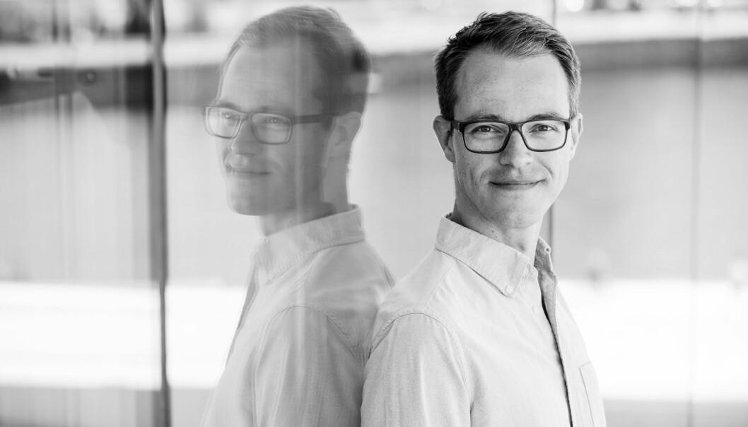 Forfattaren Åsmund Husabø Eikenes (35) har doktorgrad frå Senter for kreftbiomedisin ved Universitetet i Oslo og har tidlegere gitt ut tre populærvitskapelege bøker, mellom anna «Sprut: historia om kroppsvæskene våre» (2018).